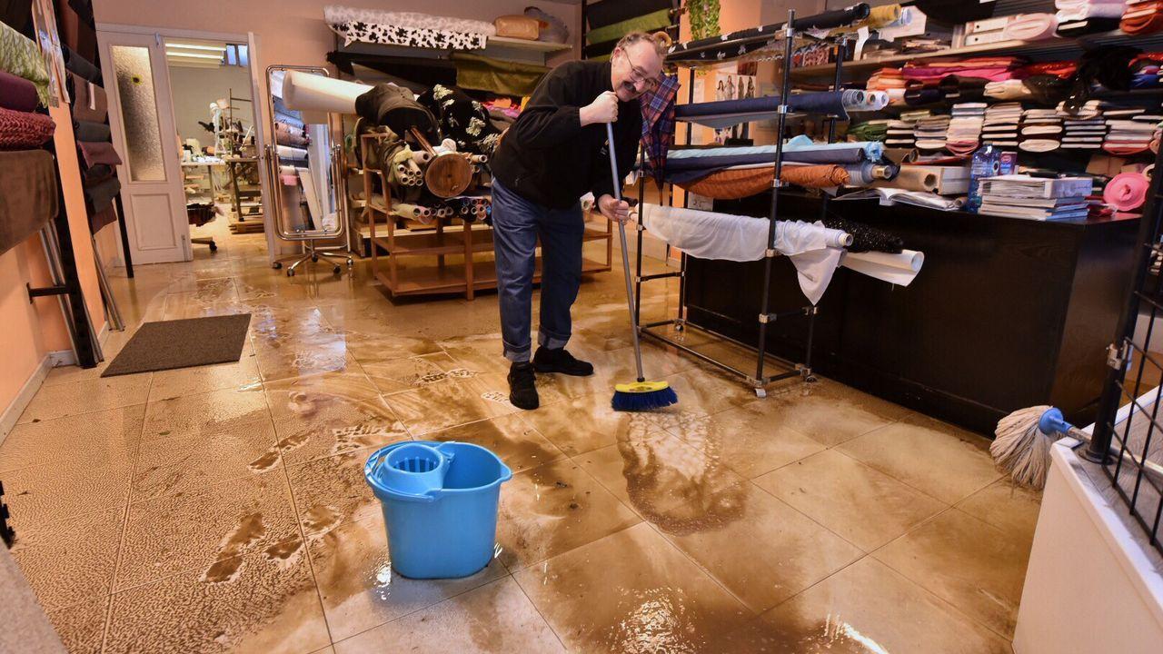 Los vecinos de Sada claman por una solución tras verse desbordados otra vez  por las inundaciones