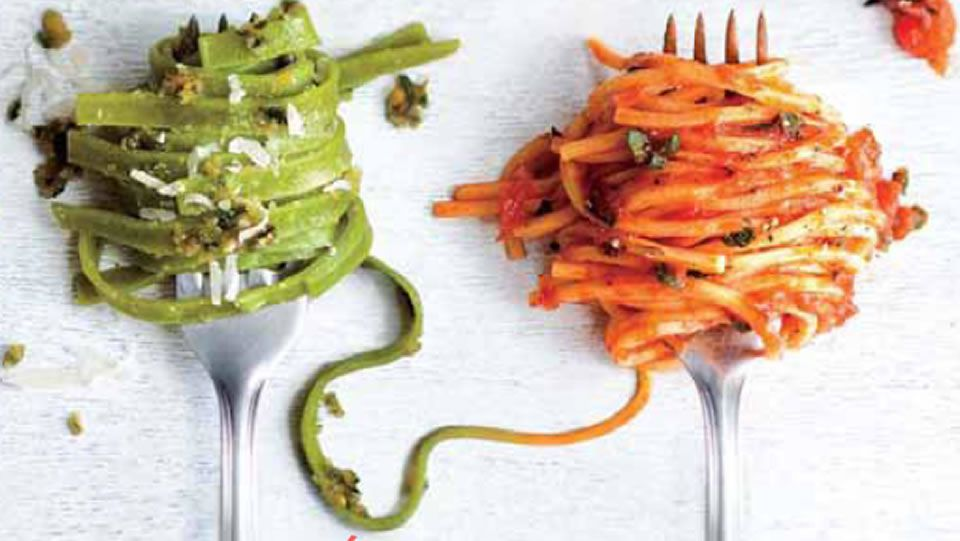 no utilizar la cuchara y otras cosas que no debes hacer al comer pasta