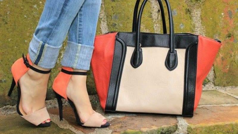 Combinar o no combinar el bolso con los zapatos