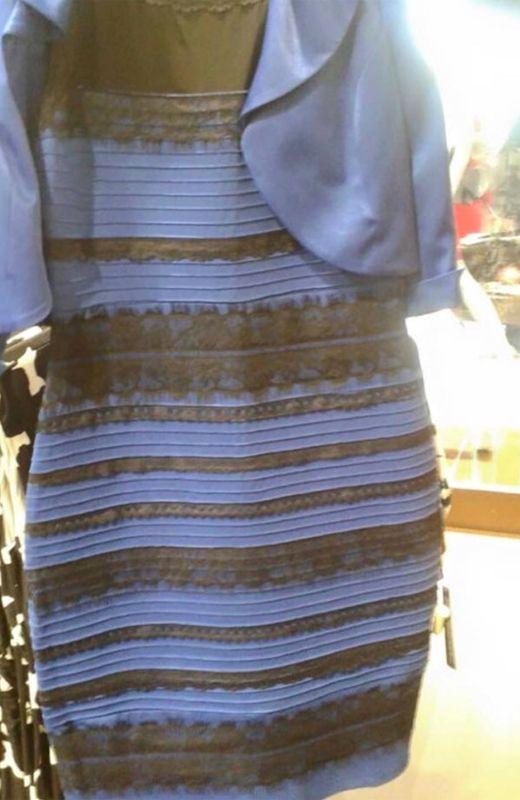 Vestido azul negro pedroche