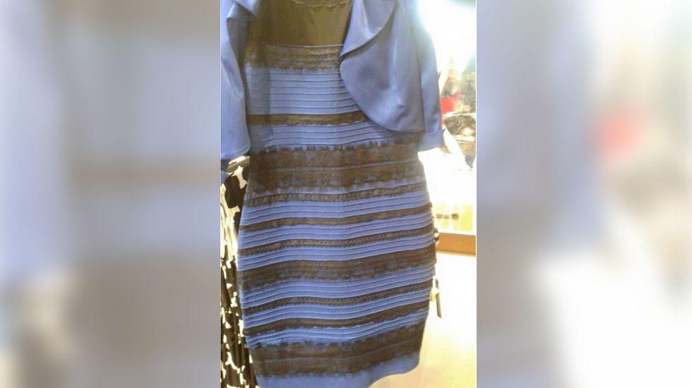 Foto vestido azul blanco dorado