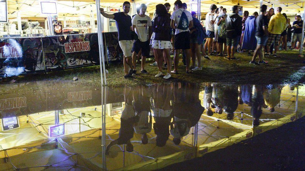 El Arenal Sound reanuda los conciertos después de otra noche de lluvia