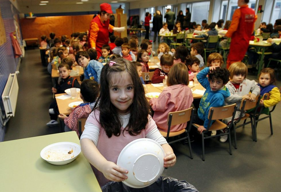 Serunión seguirá atendiendo de momento los comedores escolares