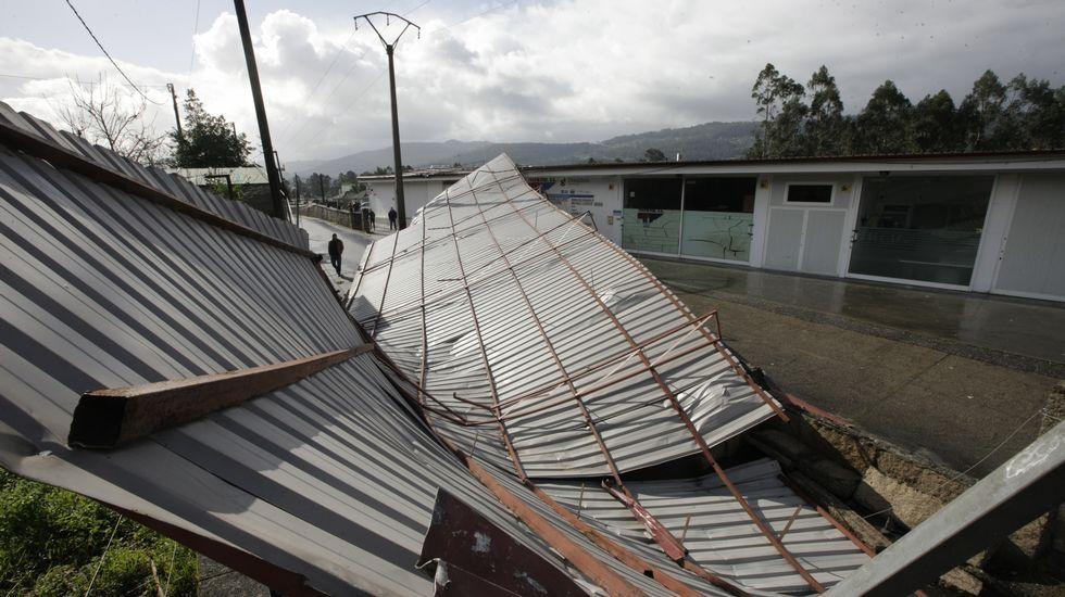 Tejados a un agua latest montaje de cubierta a aguas en pontevedra with tejados a un agua - Tejado a un agua ...