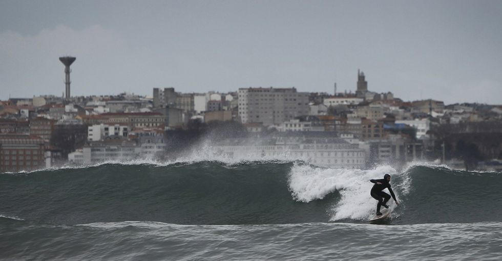 La Federación Galega de Surf defiende la regulación del uso de las playas ec9e907c22f