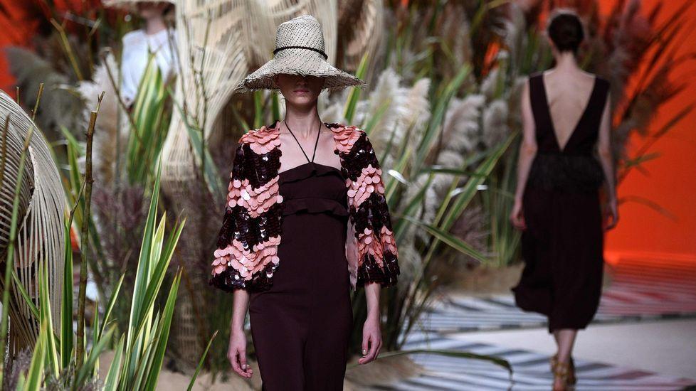 9e55f29b98e20 Jorge Vázquez llena de pasión la Madrid Fashion Week con sus nuevos diseños