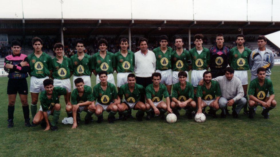La Sociedad Deportiva Burela estuvo a un gol de hacer historia y alcanzar  la categoría de bronce del fútbol español en la promoción de ascenso de la  ... 2b8b39a18e0ba
