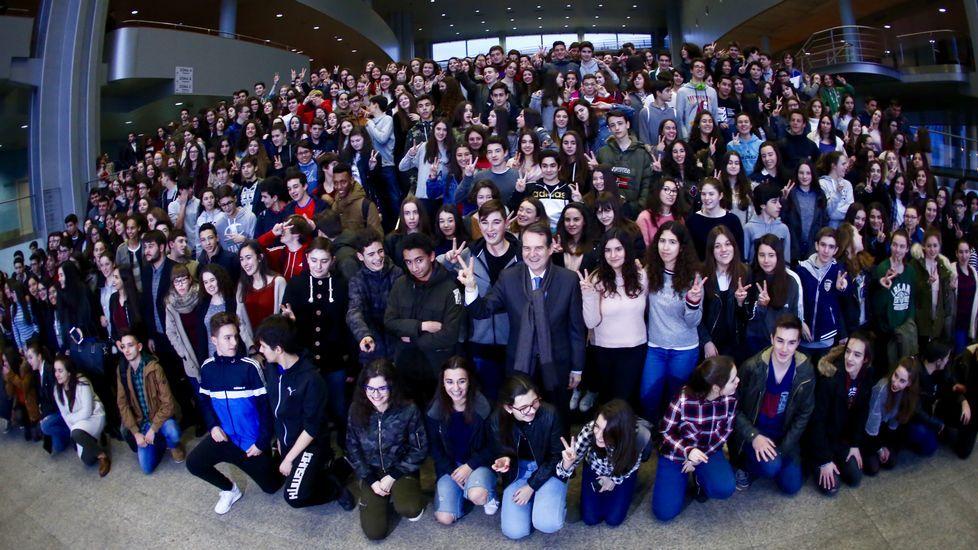 El Concello anuncia becas de comedor para estudiantes de la Universidad