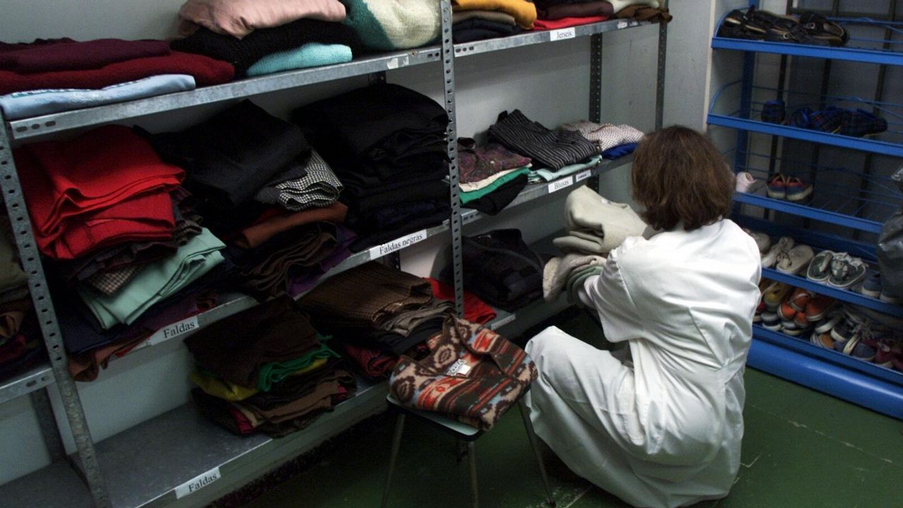 Caritas a coruna recogida de ropa