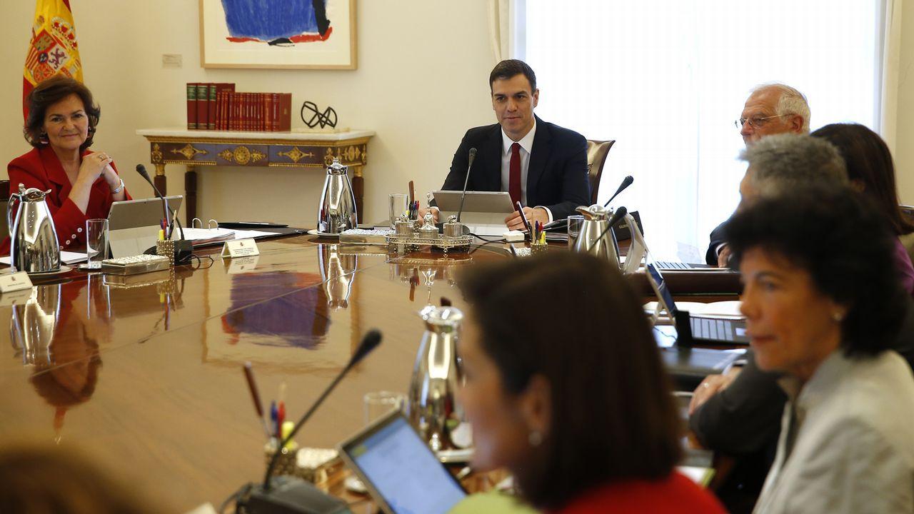Magnífico Gobierno De Gabinete De Cocina Foto - Ideas para Decorar ...