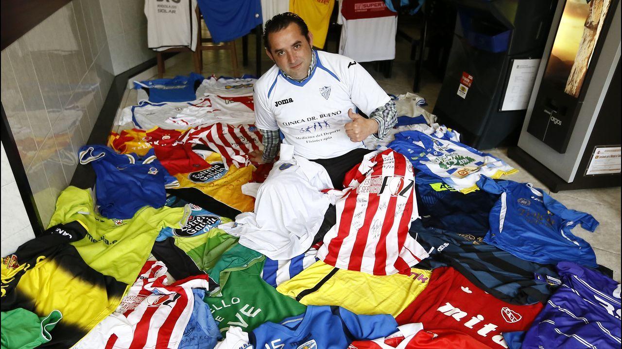 José Antonio y su colección de más de 200 camisetas de equipos de fútbol 31ba7261b4a29