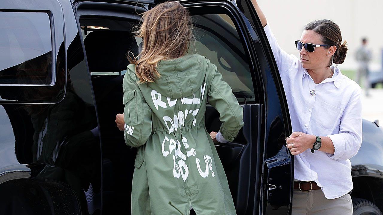 El enigmático mensaje de la gabardina de Melania Trump en su viaje a Texas  para visitar la frontera con México