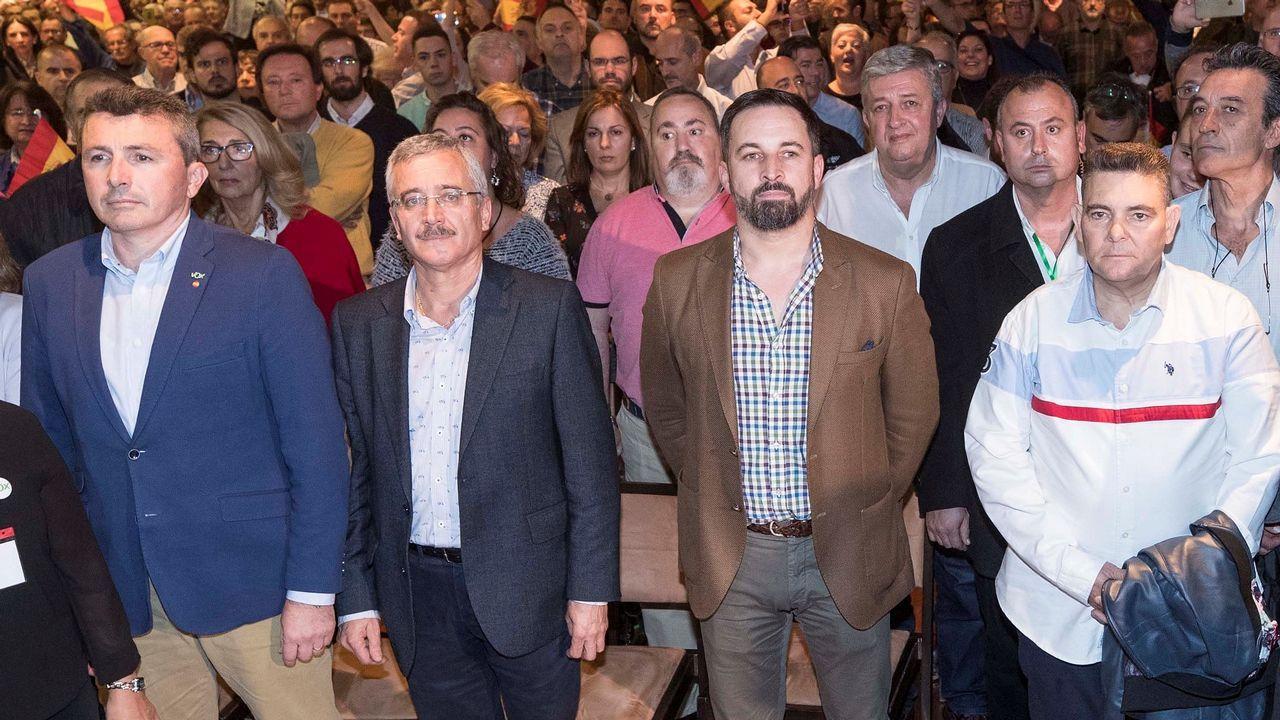 ¿Cuánto mide Santiago Abascal? - Estatura real: 1,80 - Página 2 Efe_20181114_214806385