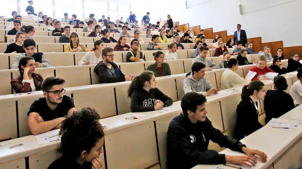 Resultado de imagen de examen acceso universidade galicia
