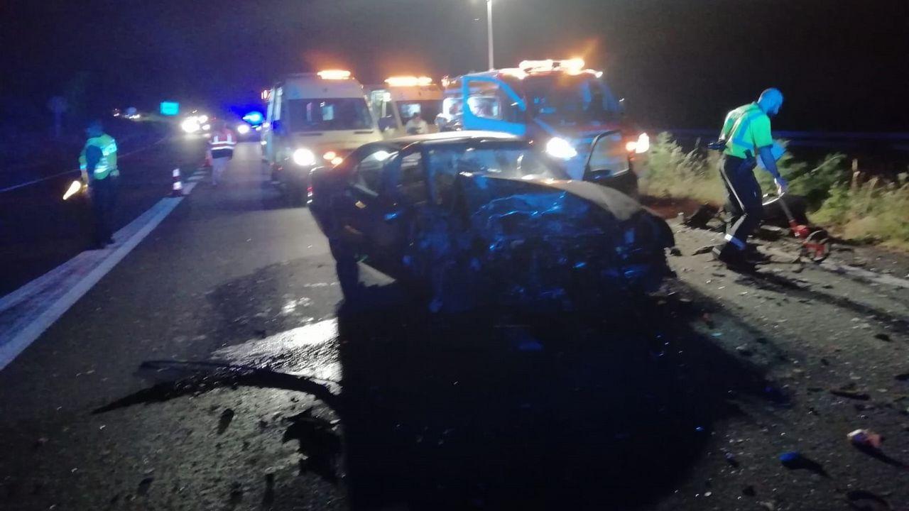 23944fe07f5c MUERTO EN EL ACTO El kamikaze conducía el Mercedes que aparece en la foto.  No