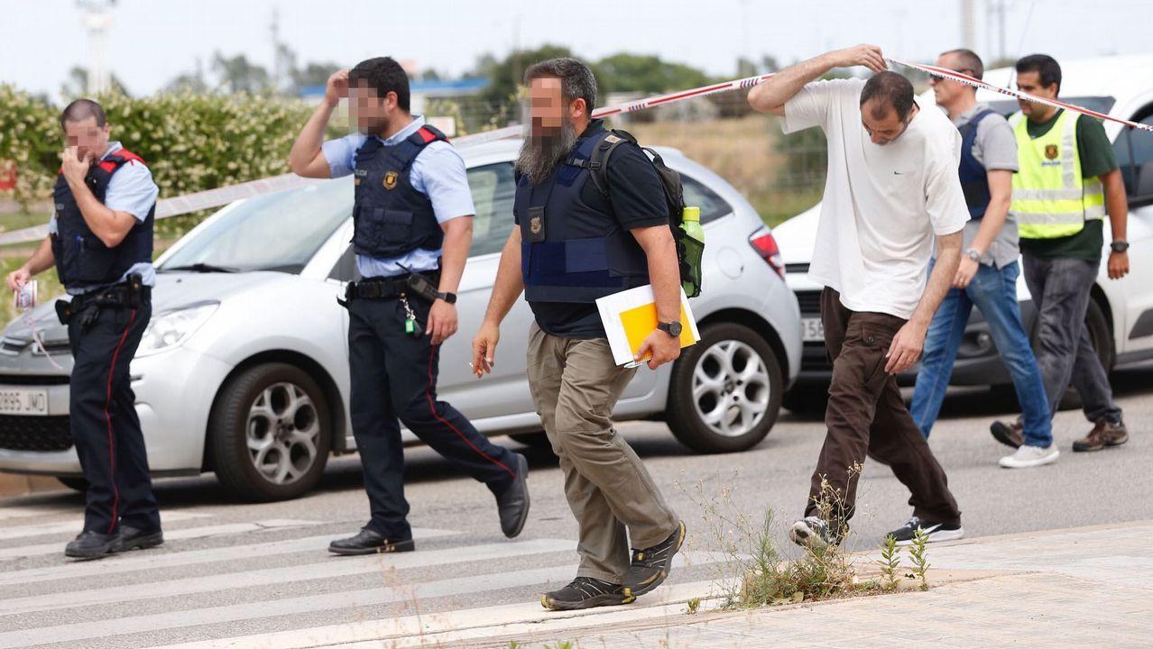 Detenido el hombre que dispar a dos polic as en gav for Trabajo en gava