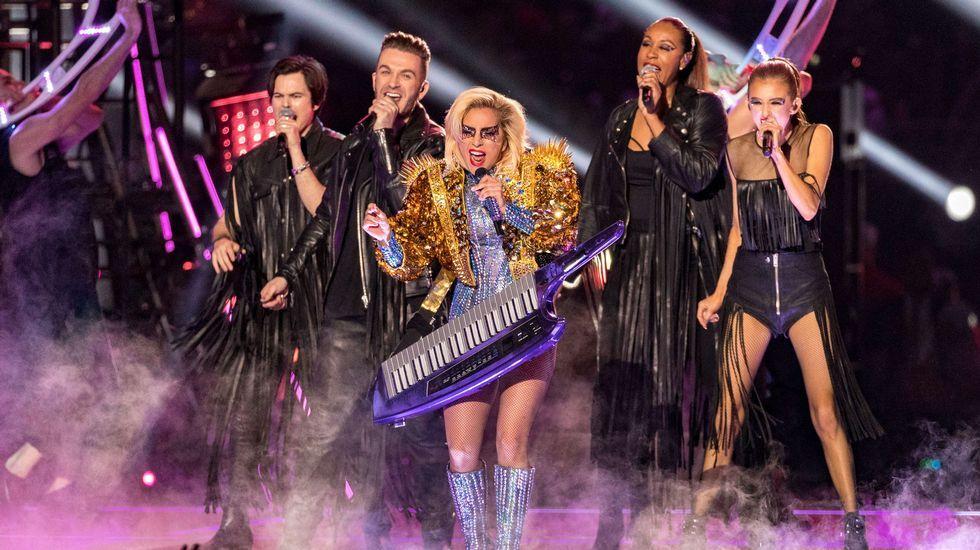 Adele y Bowie, grandes triunfadores de los Grammy.Lady Gaga