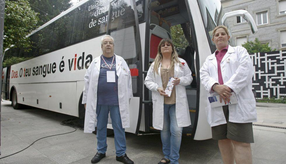 La historia de Teddy Houlston.Celso García, de Adrovi, volverá a estar hoy en Caldas con su mesa informativa sobre donación.