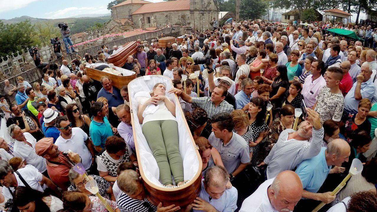 .Los habitantes de la localidad agradecen a Santa Marta su intercesión con este ancestral rito