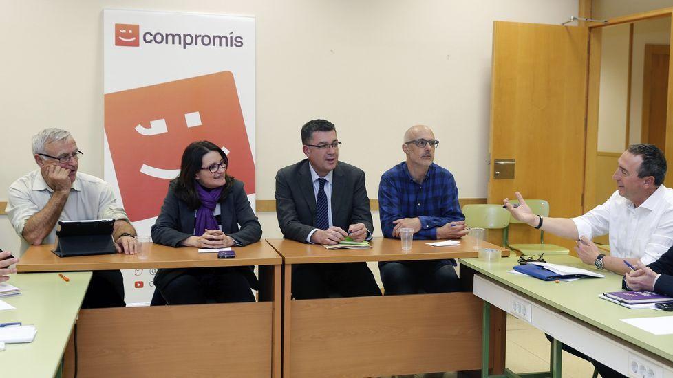 Ramón Espinar, de Podemos, jura su cargo ante el presidente del Senado.