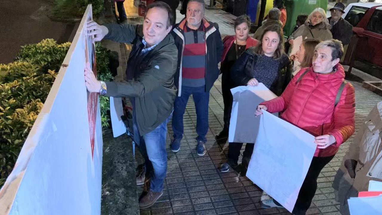 Alejandro Vega (izquierda) del PSOE de Villaviciosa