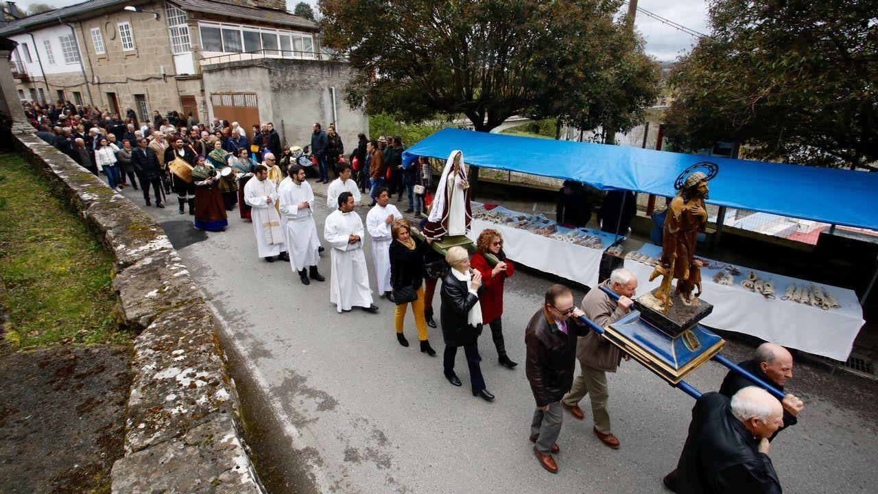 El barrio da Ponte rinde tributo a San Lázaro