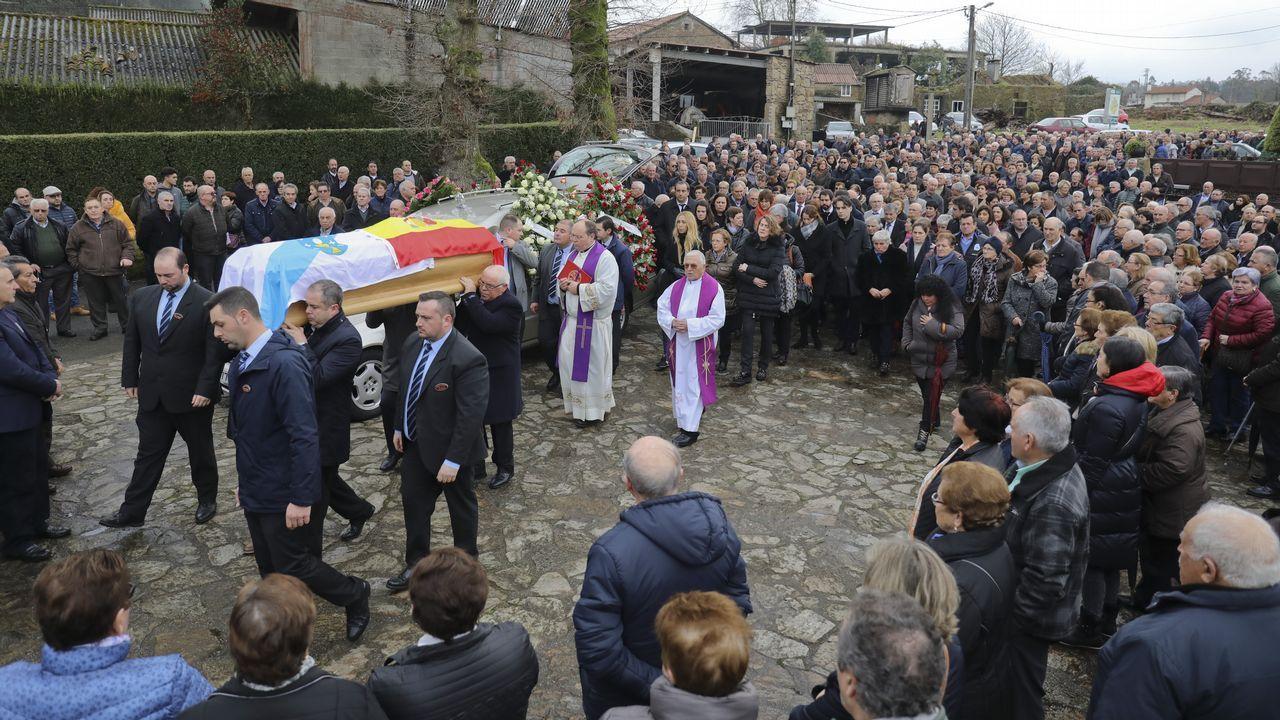 Las imágenes del entroido en Santiago y Negreira