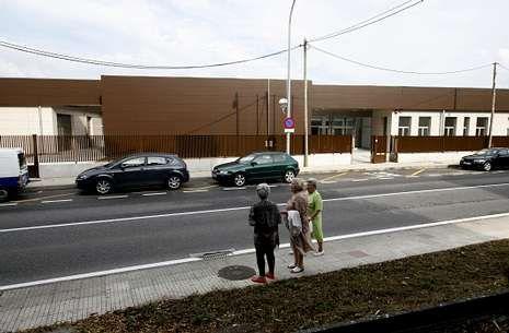 El nuevo edificio del Vales Villamarín abrirá hoy sus puertas para los niños de Betanzos.