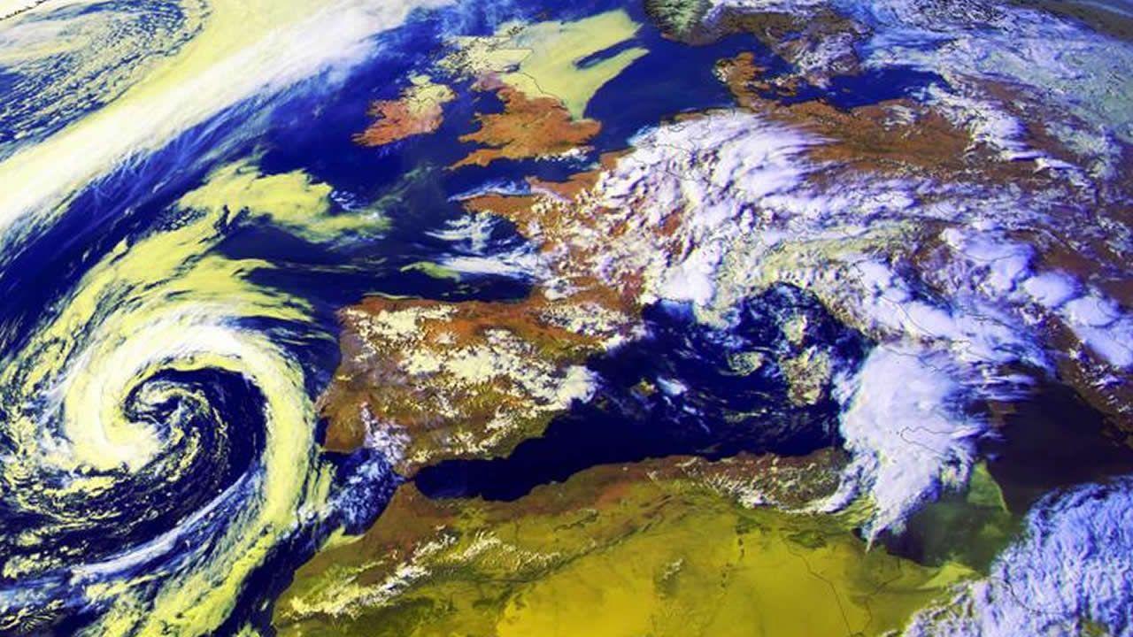 La borrasca situada al oeste de Portugal provocará mañana en Galicia fuertes chubascos, granizo y tormentas