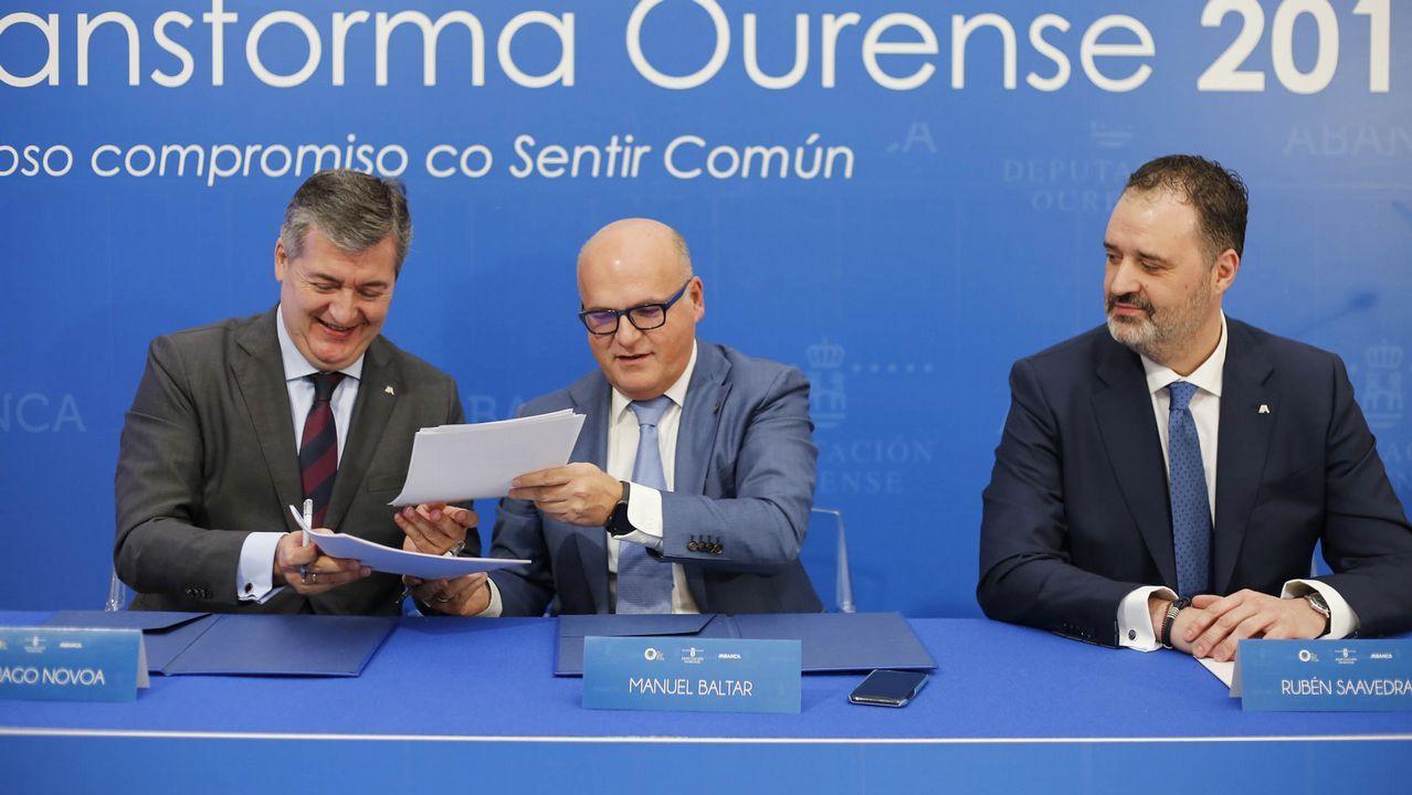 El exlíder de Ciudadanos en Ourense ve la mano de Baltar en el fichaje de Araújo y este lo niega.Laureano Bermejo y José Araújo (derecha), ayer.