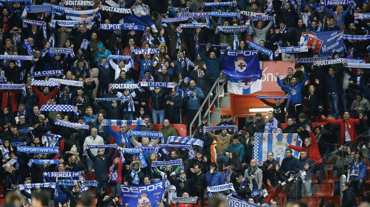 Mil cien deportivistas apoyaron al equipo en El Molinón