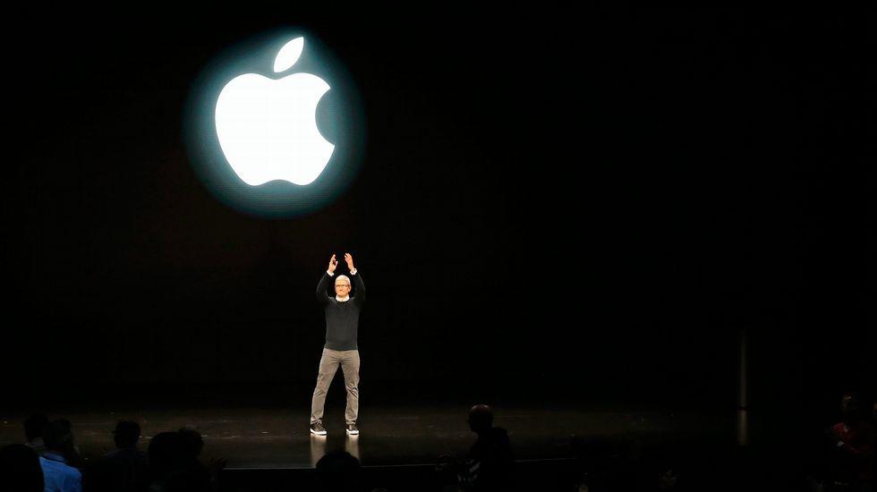 Ordenador.Keanu Reeves enardeció al público asistente al aparecer en el escenario para presentar «Cyberpunk 2077», el juego que protagoniza