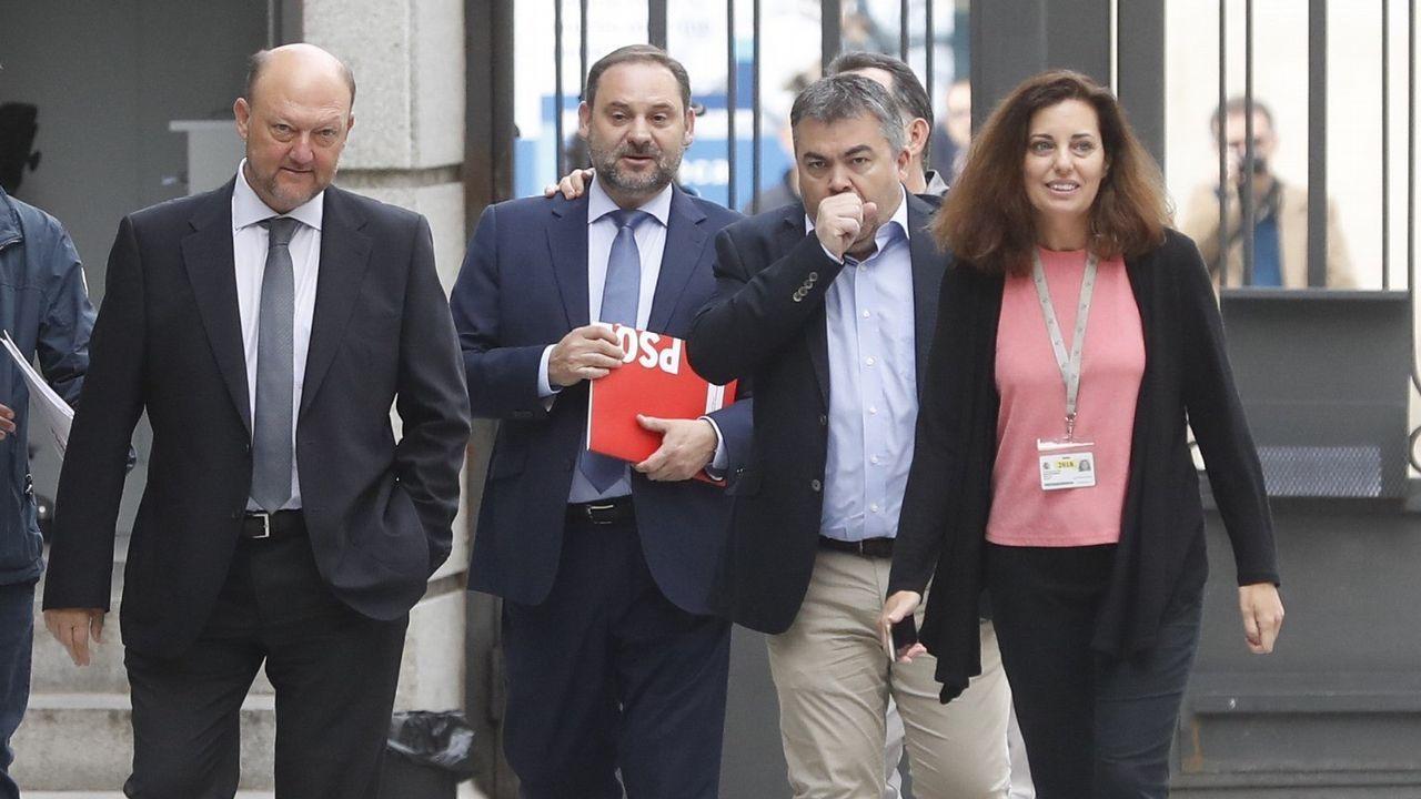 El secretario de Organización del PSOE, José Luis Ábalos (segundo por la izquierda)