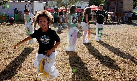 .Los niños fueron los que más disfrutaron con las actividades de la jornada solidaria. <span lang= es-es >fotos</span><span lang= es-es > merce ares</span>