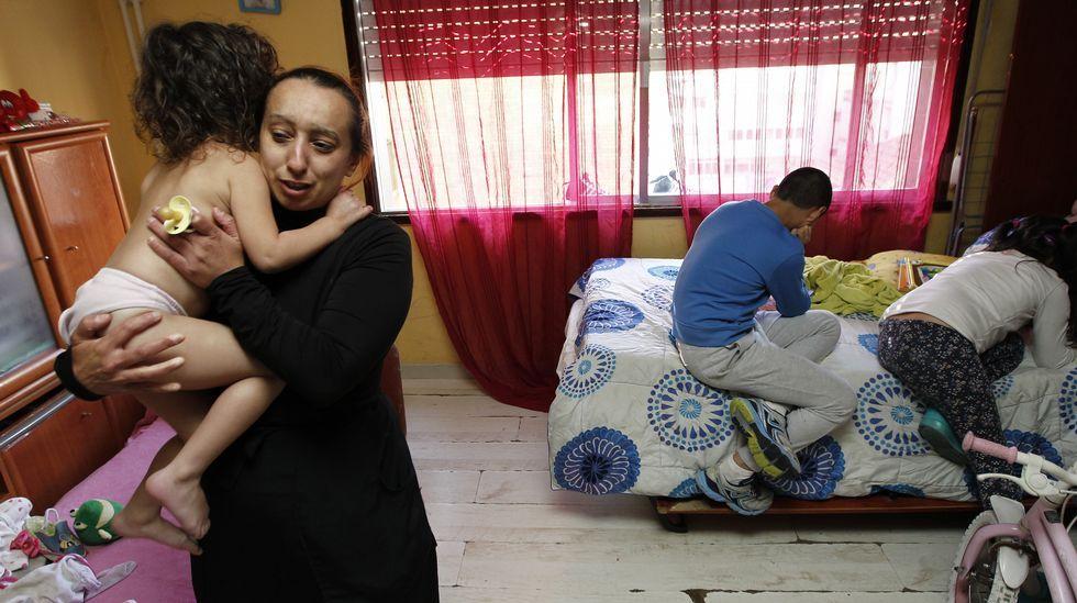 Una familia con tres hijos, pendiente de desahucio en Vigo.Ares