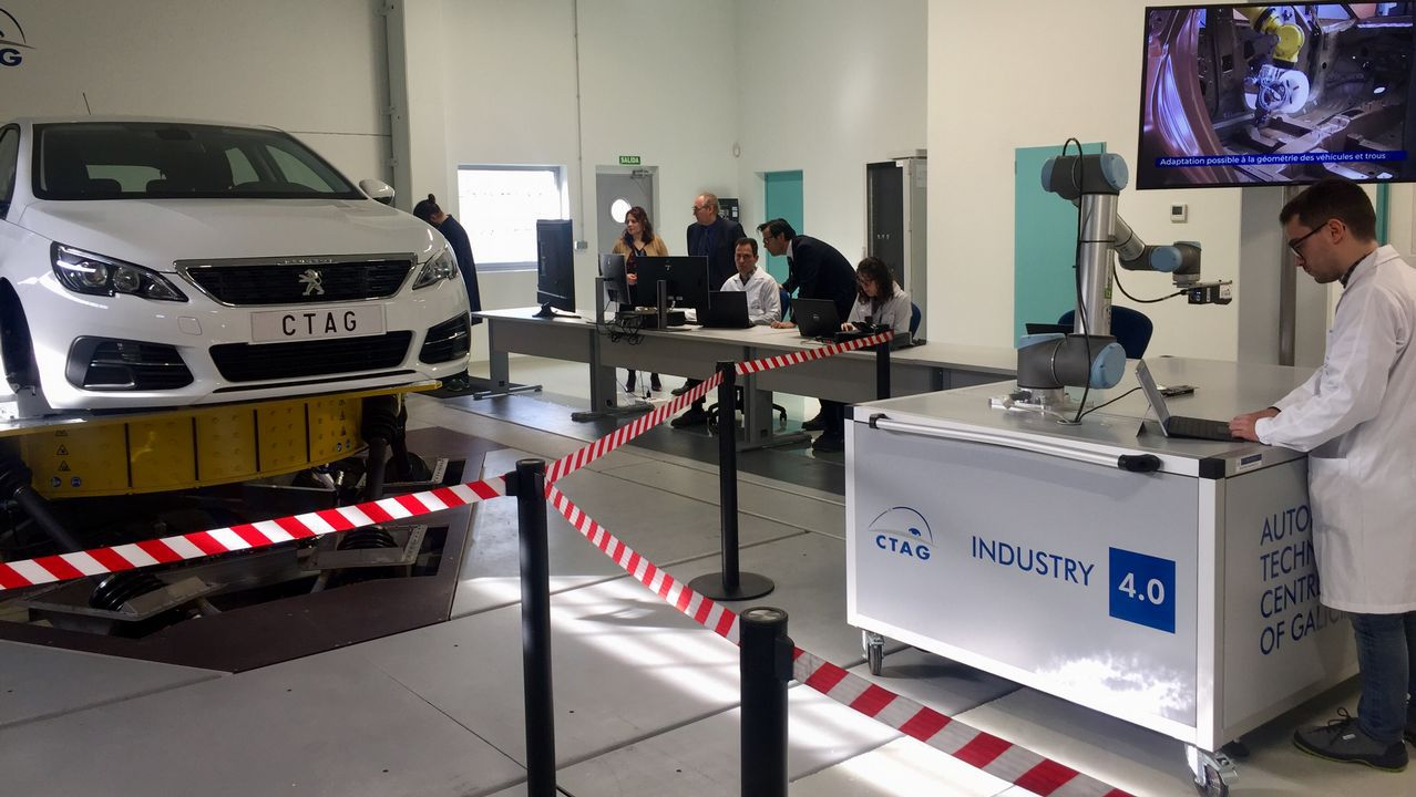 PSA prueba el coche del futuro en O Porriño