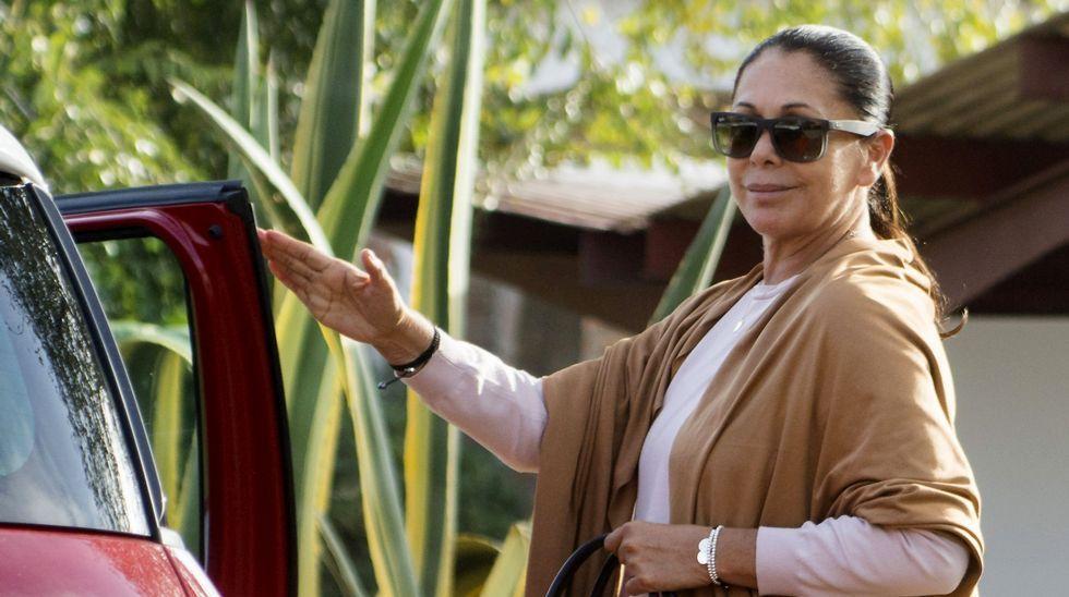 <span lang= es-es >Con Marta Ortega</span>. La amazona no se pierde un concurso hípico, al que suele acudir con parte de su familia, y ¡Hola! da cumplida cuenta de su participación. En el número de esta semana hay una gran variedad de asuntos de actualidad y el corazón.