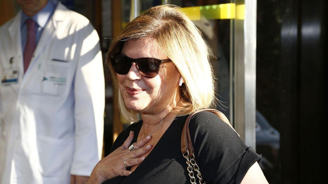 Terelu Campos dispuesta a hacerse una doble mastectomía.Playa de Penarronda (Castropol)