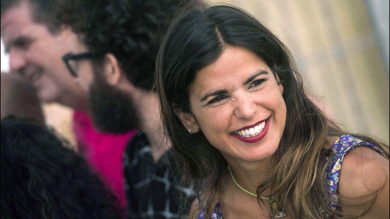 La diputada de Podem que retiró las banderas se rebela contra Pablo Iglesias.Pablo Iglesias