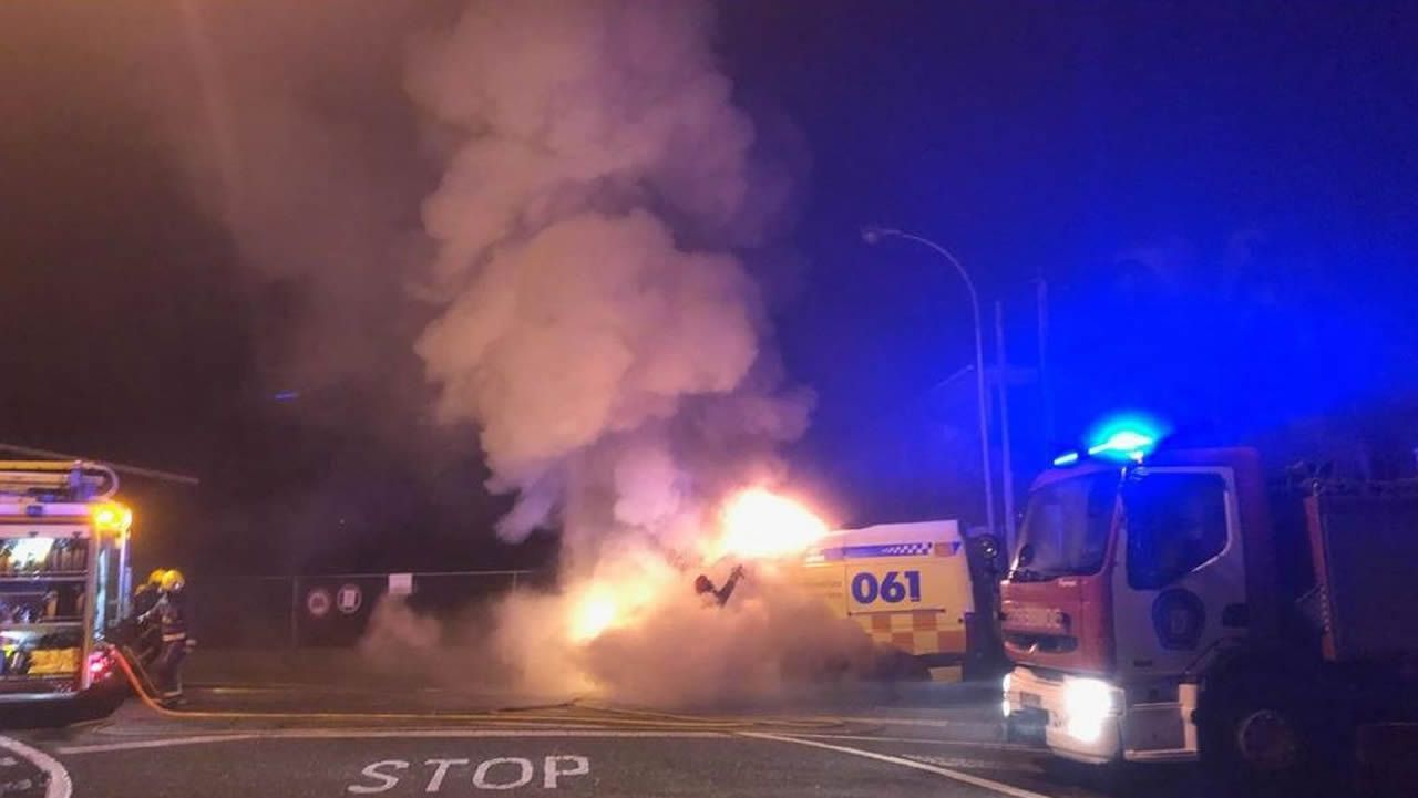 Los policías de Vigo exigen sueldos iguales a los bomberos.Policías locales
