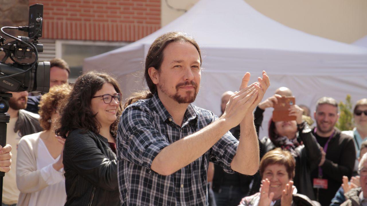 El vídeo de Daniel Ripa sobre la presencia en Asturias de los líderes de la derecha en campaña.Un hórreo tapiado en Pola de Laviana