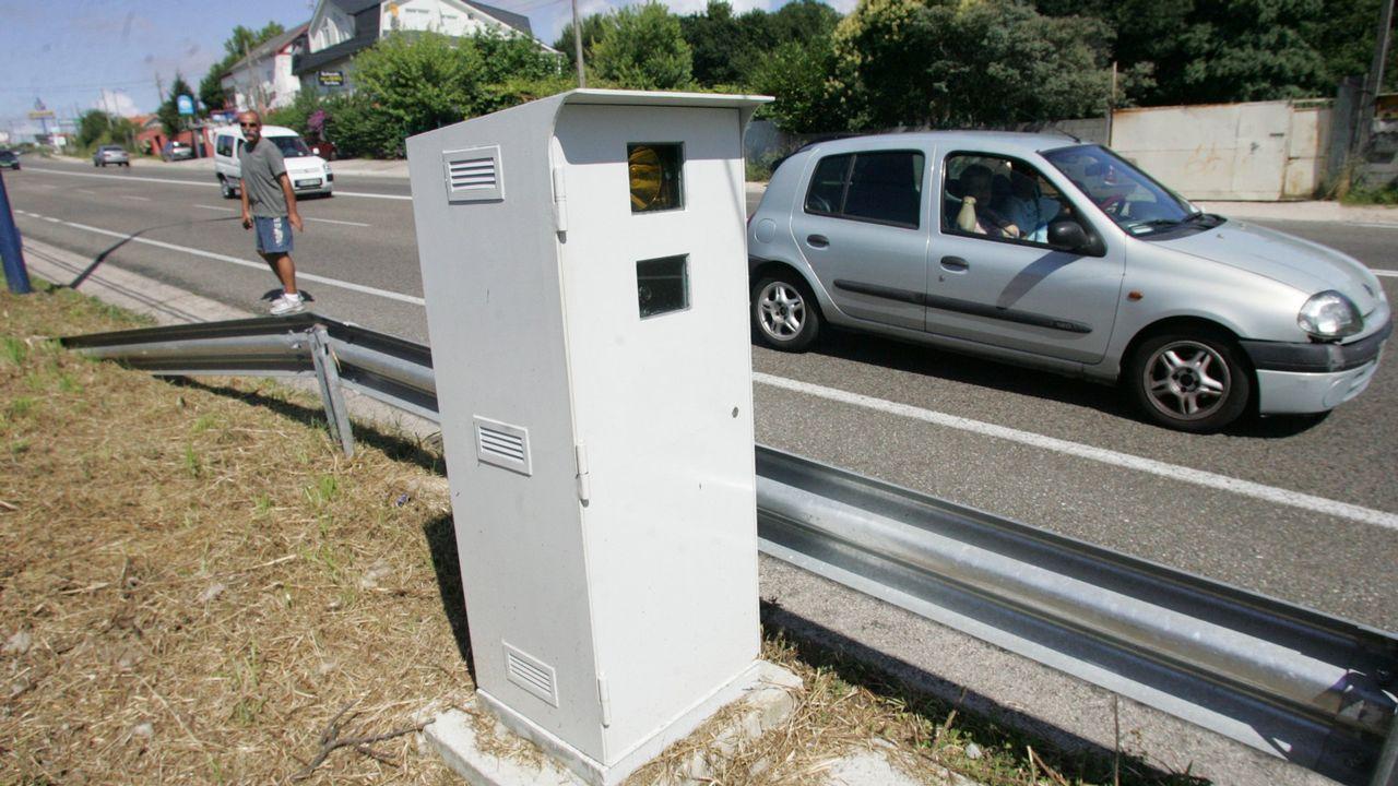 No salir del coche, no dormirse y acumular calor.Control de drogas a conductores en una carretera de Pontevedra