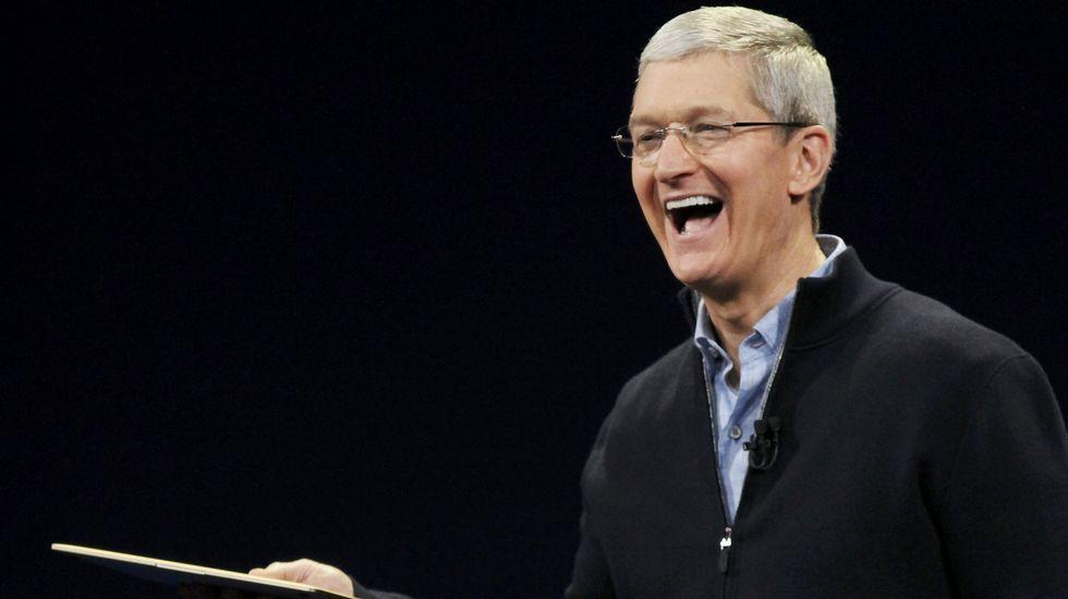 El CEO de Apple, uno de los grandes anfitriones en la llegada del Iphone X.Manifestantes contra el fundador de Facebook en Nueva York