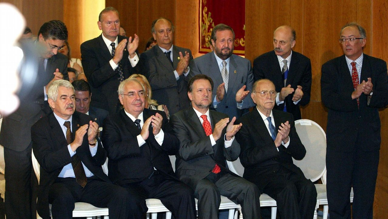 .Toma de posesión como presidente de la Xunta del socialista Emilio Pérez Touriño