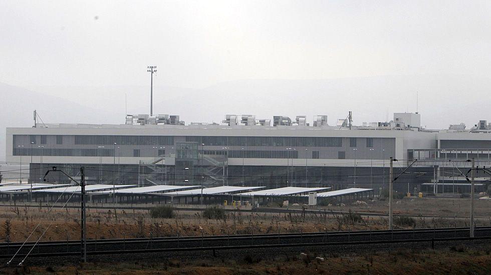Iglesias: «La palabra 'sorpasso' nos gusta si significa superar al PP».Foto de archivo del aeropuerto de Ciudad Real