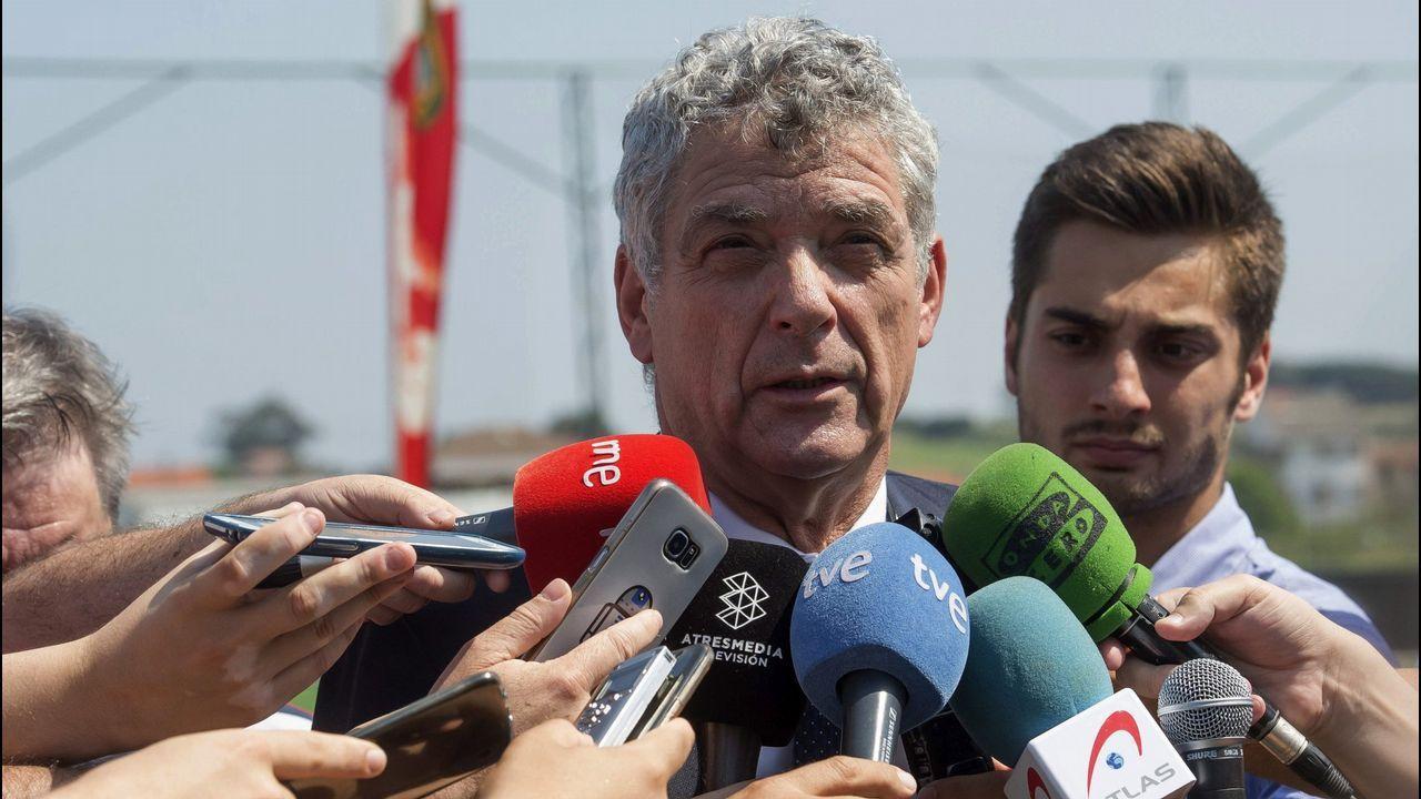 Villar, suspendido provisionalmente un año como presidente de la federación.Tifo de Symmachiarii en el partido frente al Cádiz