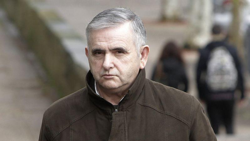El juicio del Códice entra en su última semana.Manuel Fernández Castiñeiras, llega a l juzgado en compañía de su mujer y su abogada