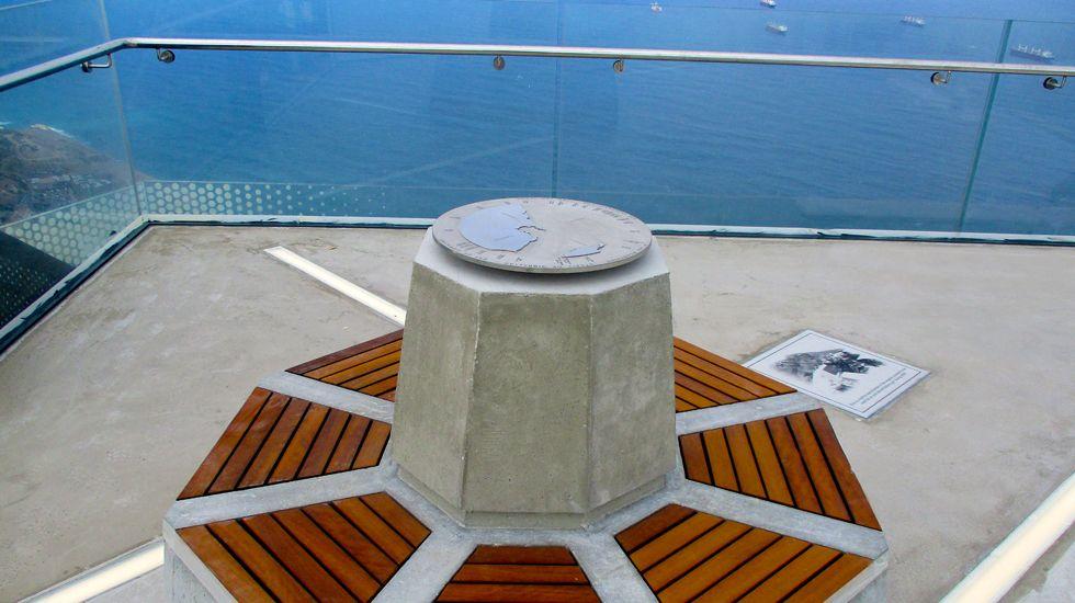 Uno de los elementos colocados dentro del mirado de Gibraltar, construido por Ales Ingeniería.Uno de los elementos colocados dentro del mirado de Gibraltar, construido por Ales Iluminación
