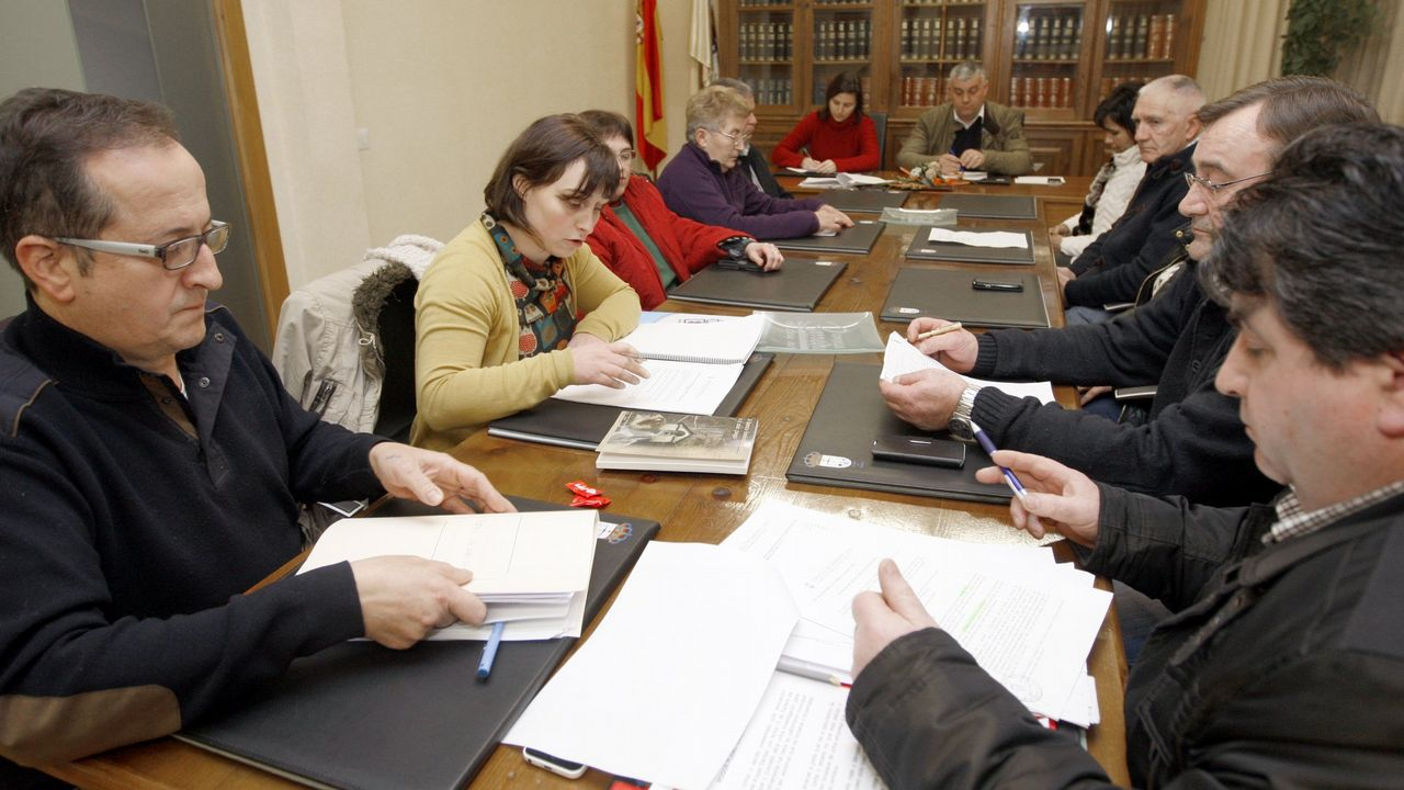 Denuncian ao Goberno do PP en Barreiros, Lugo de adxudicar mais de 40 mil euros a dedo aos seus amigos do partido.