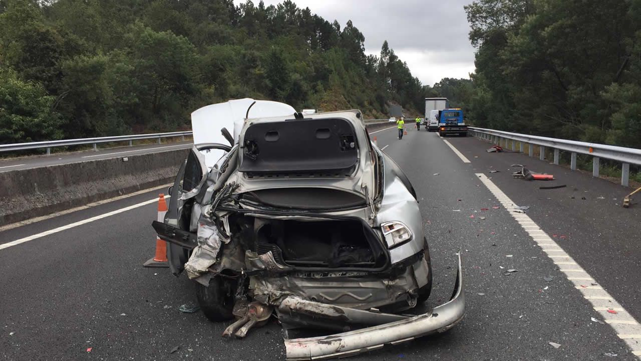 Fallece una mujer en un accidente de tráfico en Portas.